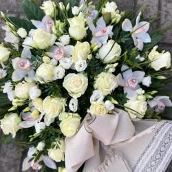 Funeral Wreath Lightness