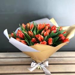 Букет из оранжевых тюльпанов