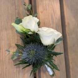 Flower brooch in white