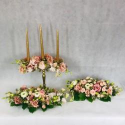 Wedding table decor in...