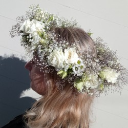 White head flower wreath