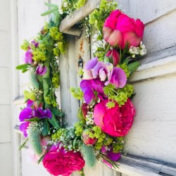 Flower wreath Romance