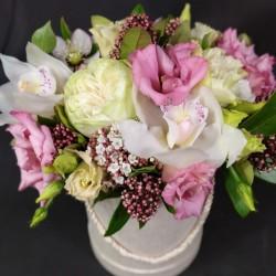 Цветочная коробка с орхидеей