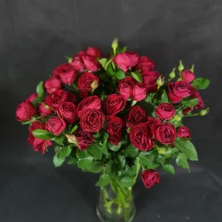 Red Spray roses 60cm