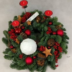 Advent wreath Red accent